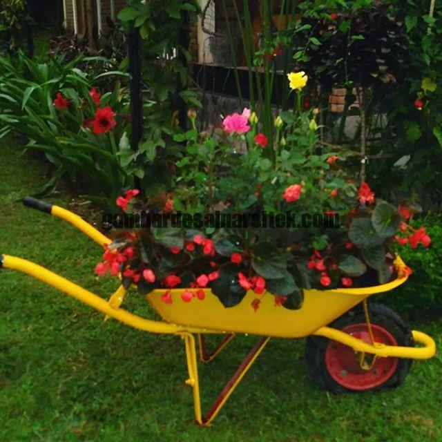 Jasa Pembuatan dan perawatan taman Bandung Jakarta Bunga hias 1