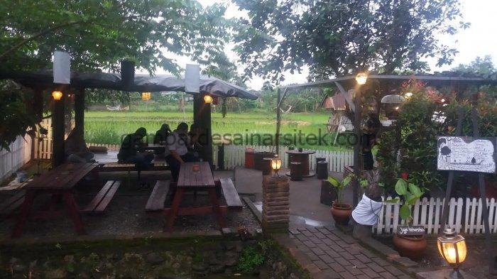 Cafe Unik Nuansa Alam Pedesaan 3