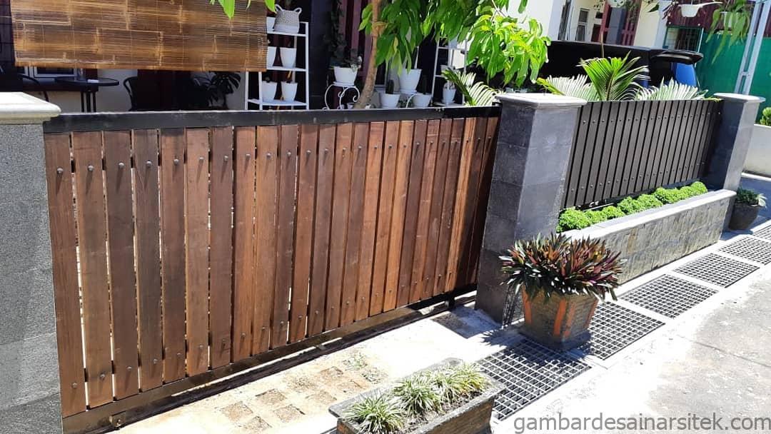 ide inspirasi taman kecil depan pagar yang dapat mempercantik dan 2 1